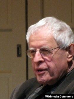Amerika şairi Charles Simic.
