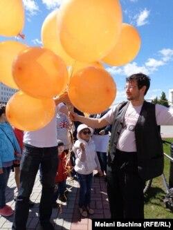 """Леонид Рыбаков на пикете в поддержку """"узников Болотной"""""""