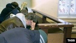Так выглядят российские скинхеды в зале суда