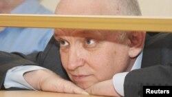 Оппозиционный политик Владимир Козлов на скамье подсудимых. Актау, 8 октября 2012 года.