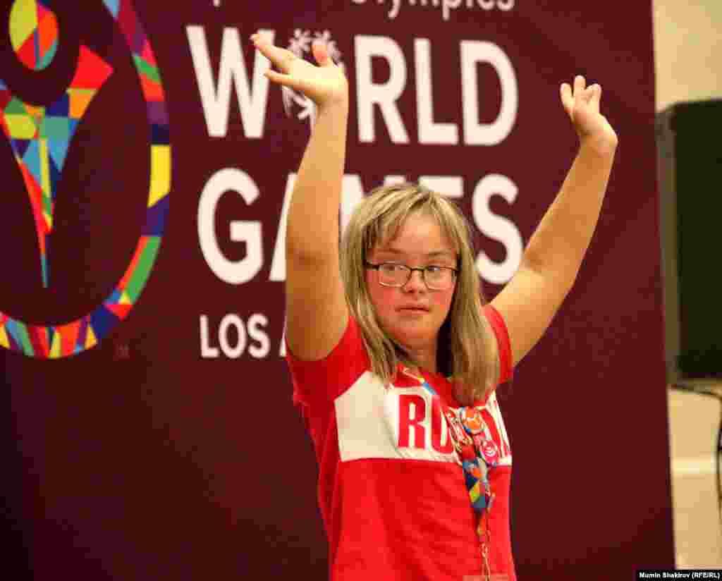 Обладательница золотой медали в соревнованиях по плаванию Мария Ланговая из России