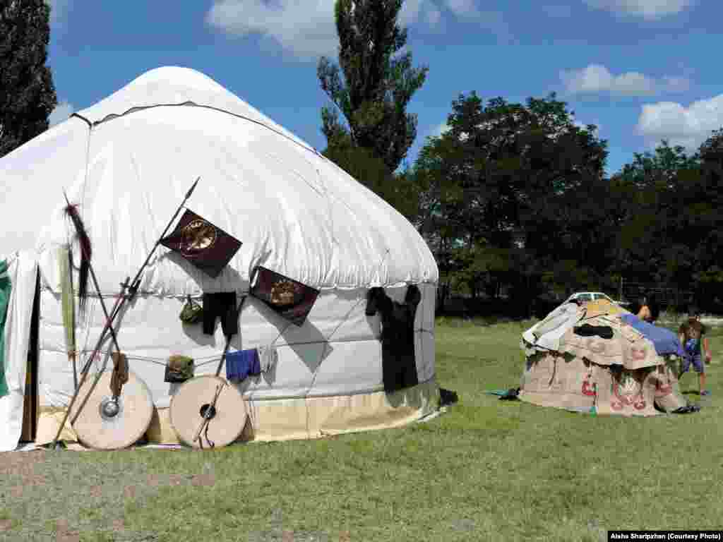 Hungarian yurts do not differ much from those in Central Asia​