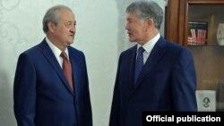 Абдулазиз Камилов жана Алмазбек Атамбаев.