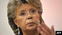 Eurocomisarul Viviane Reding