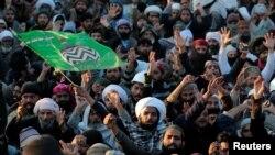 """""""Тэхрик-э-Лабаик"""" (""""Тахрик-и Лабайк Йаа Расул Алла"""") партиясынын жактоочулары. Исламабад, 27-ноябрь, 2017-жыл."""