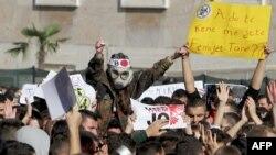 تظاهرات در آلبانی در اعتراض به انتقال تسلیحات شیمیایی سوریه به این کشور