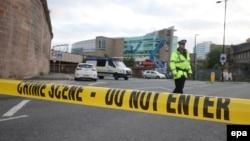 Автовокзал у центрі Лондона закрили через кілька годин після того, як внаслідок вибуху на концертній арені Манчестера загинули 22 людини