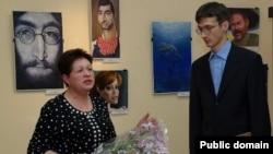 Музей мөдире Татьяна Биковец һәм карикатурачы Денис Лопатин
