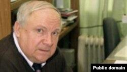 Олег Коробейничев обвинялся в разглашении государственной тайны - передаче информации о новой разработке научно-исследовательскому центру Министерства обороны США