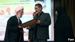 محمدتقی مصباح یزدی در دیدار با خانواده حسین غلامکبیری