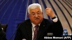 د فلسطین د خپلواکې ادارې مشر محمود عباس