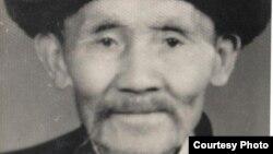 Мамбеталы уулу Жапаркул – дед Шаймердена. Он вместе с отцом бежал в Китай во время Уркуна. Выходец из села Бостери Иссык-Кульского района.