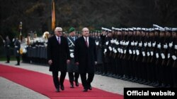 Президент Республики Армения Армен Саркисян (справа) и президент Германии Франк-Вальтер Штайнмайер, Берлин, 27 ноября 2018 г.