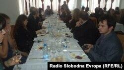 Ѓорѓи Стојаноски, сомелиер - експерт за вино одржа предавања за начинот на послужување на виното и неговиот квалитет пред студентите по гастрономија на охридскиот факултет за туризам.