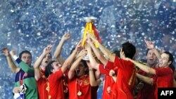 Футболдан Еуропа чемпионатын жеңіп шыққан Испания ұлттық құрама командасы. Вена, 29 маусым 2008 жыл. Көрнекі сурет
