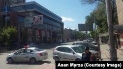 Территория торгового центра оцеплена. Бишкек. 27 апреля 2018 года.