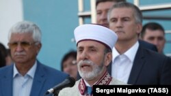 Эскендер Билялов (слева) и муфтий Эмирали Аблаев