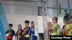 Кырымтатар милли байрагы көне, Акмәчет
