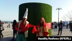 Празднование Новруза в Баку, Девушка-Весна, Плешивый и Семени