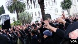 Многие из ораторов отвергали обвинения в адрес оппозиции в использовании недовольства граждан в личных политических целях