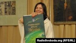 Директор музею Валентина Бочковська, Київ, 24 квітня 2012 року