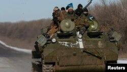 Українські військовослужбовці біля Дебальцева. 17 лютого 2015 року