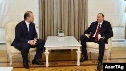 Մալթայի վարչապետ Ջոզեֆ Մուսկատը և Ադրբեջանի նախագահԻլհամ Ալիևը: Ապրիլ, 2015 թ․