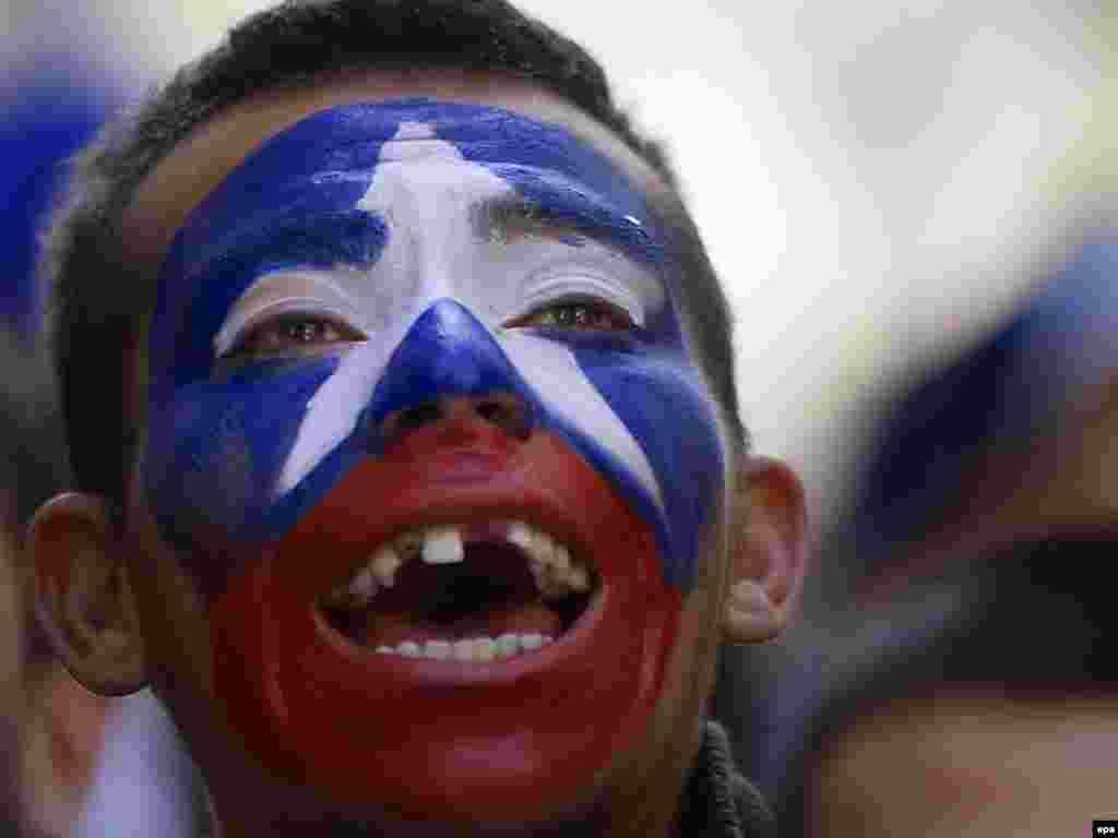 Бразилія – Чилі 3:0. Підтримка уболівальників чилійцям не допомогла – бразильці були на голову вище. - Вперше в історії чемпіонатів світу з футболу південноамериканських збірних в 1 / 4 фіналу виявилося більше, ніж європейських. У «чудовій вісімці» Південну Америку представляють чотири країни (Аргентина, Бразилія, Парагвай і Уругвай), а Європу – три: Німеччина, Голландія та Іспанія. Континент-господар – Африка – представлений збірною Гани. 2-3 липня пройдуть чвертьфінальні матчі.