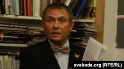 Аляксандар Лукашук на прэзентацыі кнігі