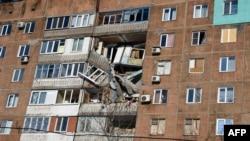 Один із житлових будинків на території окупованої частини Донеччини (ілюстраційне фото)