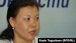 Бұрынғы әскери қызметкер Шұғыла Пірәлиева. Алматы, 19 мамыр 2014 жыл.
