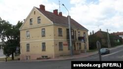 Дом уГорадні навуліцы Лермантава, 8, выстаўлены напродаж. Угэтым доме жыла сям'я Мікалая Марцінчыка