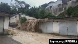 Затопленный Крым. Ливни накрыли полуостров (фоторепортаж)