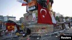 Taksim meydanı, 10 iyun
