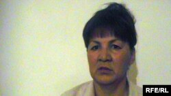 Кульзира Нуржанова, жена дальнобойщика Крыксы Бурабаева, сидевшего четыре месяца в узбекской тюрьме за нарушение границы. Актобе, 18 августа 2009 года.