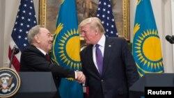 Нурсултан Назарбаев жана Доналд Трамп.