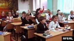 Казандагы мәктәптә дәрес вакыты. Архив фотосы