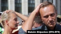 Ալեքսեյ Նավալնին և իր կինը՝ թոշակի անցնելու տարիքը բարձրացնելու դեմ բողոքի ցույցի ժամանակ, արխիվ