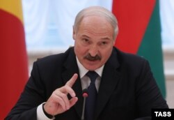 Олександр Лукашенко під час саміту країн СНД, Мінськ, 10 жовтня 2014 року