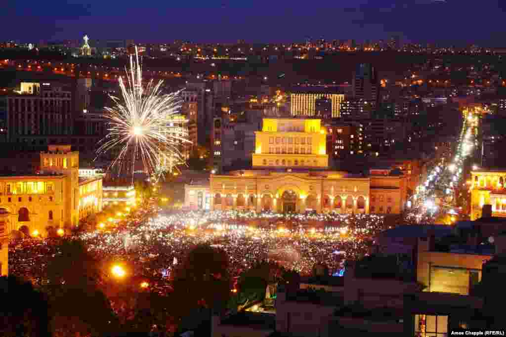 """Protest leader Nikol Pashinian speaks on Yerevan's Republic Square, telling the """"proud citizens"""" of Armenia that """"you have won!"""""""