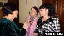 Зифа Кадырова очрашудан соң якташлары белән аралаша