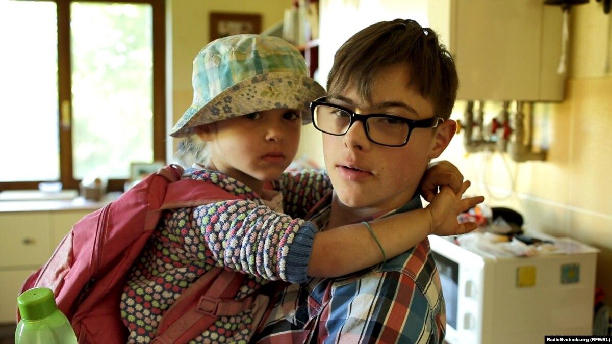 Как это – воспитывать сына с синдромом Дауна. История родителей, которые разрушают стереотипы