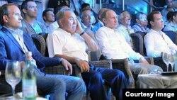 Медведчук, Назарбаєв, Путін і Медведєв на змаганнях у Сочі, 17 серпня 2013 року, фото з сайту руху «Український вибір»