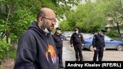Իլյա Ազարը դուրս է գալիս բանտից, Մոսկվա, 7 հունիսի, 2020թ.