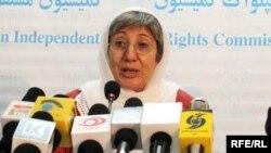 سمر: حکومت افغانستان مکلف است تا در زمینه اقدام کند.