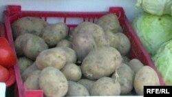 Бағасы удай қымбат картоп, Петропавлоскі жәрмеңкесінде, қазан 2008 жыл