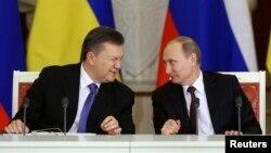 Виктор Янукович и Владимир Путин достигли компромисса в Москве