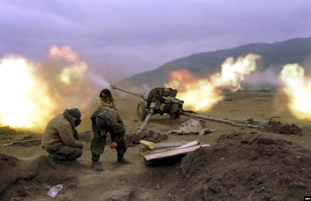 """Ресей әскерилері Шешенстан """"сарбаздарымен"""" атысып жатыр."""