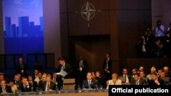 АҚШ-та өтіп жатқан НАТО саммиті. Чикаго, 21 мамыр 2012 жыл.