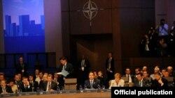 Самитот на НАТО во Чикаго.